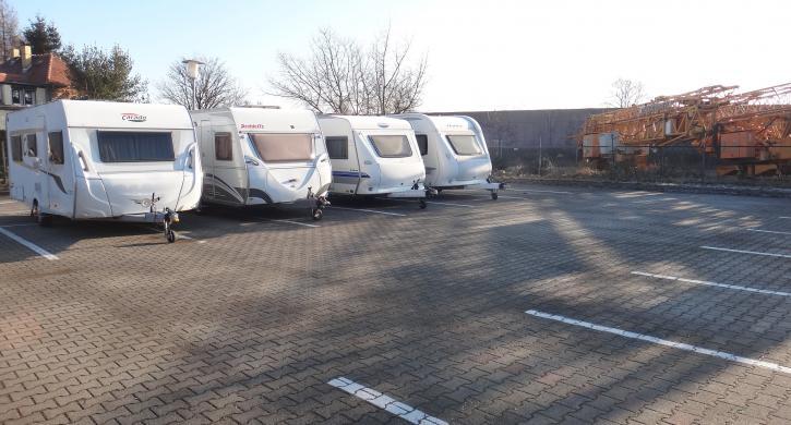 camping angebot wohnmobil und wohnwagen im winter sicher. Black Bedroom Furniture Sets. Home Design Ideas